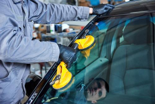 Open 7 Days Auto Glass Repair In Summerlin California Auto