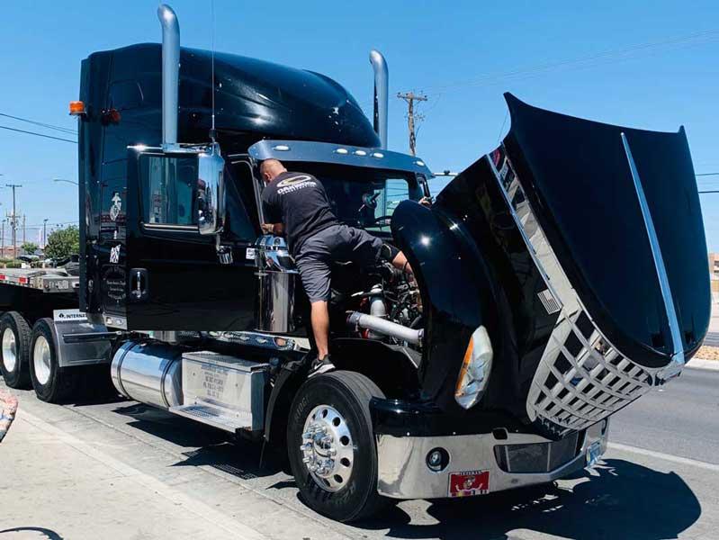 Semi Truck Windshield Replacement